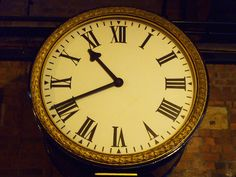 Video: ELLs Learning To Tell Time In English