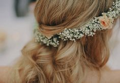 21 Trendy wedding hairstyles with flowers brunette babies breath Flower Crown Wedding, Wedding Hair Flowers, Wedding Headband, Wedding Hair And Makeup, Flowers In Hair, Hair Makeup, Crown Flower, Floral Wedding, Pretty Hairstyles