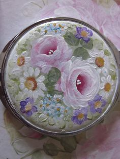Shabby Cottage Rose Compact