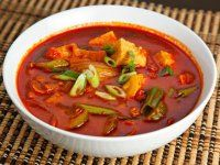 I was searching the web for recipes that used kimchi and I found several for Kimchi Jjigae or kimchi stew. The main recipes that I found were for pork and kimchi stew. Best Soup Recipes, Fall Recipes, Asian Recipes, Favorite Recipes, Ethnic Recipes, Oriental Recipes, Ninja Recipes, Pork Recipes, Kimchi Stew Recipe