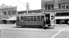 Richmond streetcar on the 200 block of E. Broad. On the back of the photograph the date is Sept. 1, 1940.