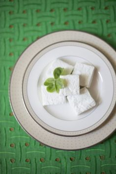 Homemade mint marshmallows | The Sweetest Occasion