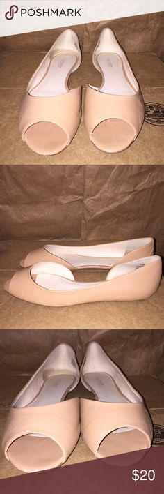 """Nine West Bachloret Peep Toe D'Orsay Flat Nine West Bachloret Peep Toe D'Orsay Flat EUC Color: Natural Size: 10 Heel Height: .25"""" Composition: Leather Upper; Rubber Sole *True to size. Slight discoloration on tip of each shoe and back of each shoe. These were worn a handful of times. Perfect for dressing up or down. Nine West Shoes Flats & Loafers"""