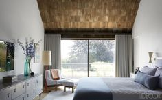 Grey Minimalist Bedroom - ELLEDecor.com