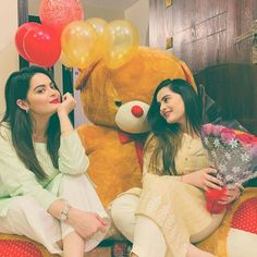 Birthday Celebration - Aiman Khan and Minal Khan Celebrated Her Birthday With Friends & Family Cute Girl Poses, Cute Girl Pic, Girl Photo Poses, Cute Girls, Stylish Girls Photos, Stylish Girl Pic, Friend Poses Photography, Children Photography, Sister Poses