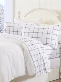 Fireplaces, hot drinks, and these cozy flannel sheet sets are a treat on chilly evenings. Cute Bedding, Teen Bedding, Cute Bed Sheets, Black And White Sheets, Organic Duvet Covers, Bed Comforter Sets, Bedroom Decor, Bedroom Inspo, Bedroom Inspiration