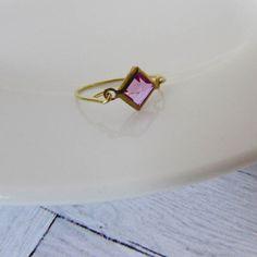 Wire Ring,Gold Wire Ring,Brass Wire Ring,Vintage Gemstone,Midi,Vintage Brass,Wire Jewelry,Stacking Ring,Lucite Jewellery,Lucite Ring,Brass