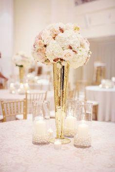Ideas para centros de mesa en rosa y dorado.