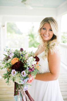 Farm wedding #realwedding #weddingdress #weddingstyle #weddinginspiration #weddingcolors #weddingphoto #bride #bridebouquet