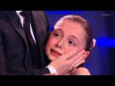 10-year old mentally collapsed on stage - YouTube  .... You know what's truly inspirational about this moment? A crowd of thousands of people ALL chose to rally behind her and help her back on her feet, right away, without question. It's moments like this that makes me love people. Faith in humanity: restored.