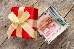 21 top Models Concerning Packing For Cash Gifts - Wedding Solved Color Plan, Diy And Crafts, Wedding Gifts, Packing, Gift Wrapping, Homemade, Cash Gifts, Ferrero Rocher, Top Models