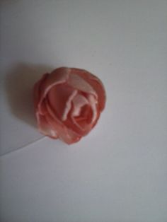 Capullito de rosa hecho en raso
