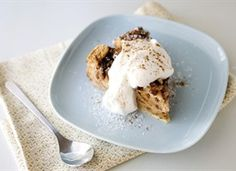 Slow Cooker Pecan Bread Pudding!