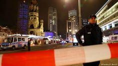 Caminhão avança contra multidão em mercado de Natal de Berlim