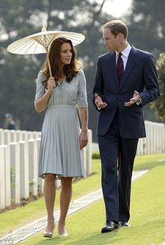 Kate Middleton wears Jenny Packham to war memorial in Singapore 9/13/12