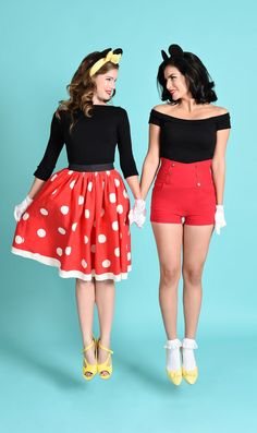 Simple Halloween Costume Ideas 4 If you're looking for a simple and sexy halloween costume ideas, here are some of the best. How fun it can be to assume the role of our favorite TV and movie characters. Costumes Duo, Themed Halloween Costumes, Best Friend Halloween Costumes, Cute Halloween, Halloween Outfits, Minnie Mouse Halloween Costume, 90s Costume, Zombie Costumes, Frozen Costume