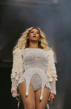 The latest news on the Queen👑 Beyonce Knowles Carter, Beyonce And Jay Z, Beyonce Coachella, Beyonce Pics, Beyonce Performance, Trendy Outfits, Fashion Outfits, Fashion Wear, Beyonce Style