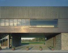 Blessings Golf Clubhouse and Guardhouse /  Marlon Blackwell Architect