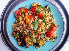 Bulgursalat med ovnsbakt aubergine og tomat