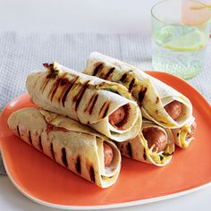 Pigs in Ponchos (Tortilla-Wrapped Franks and Beans) Hot Dog Recipes, Bean Recipes, Kid Recipes, Tortilla Wraps, Comida Latina, Party Dips, Party Snacks, 30 Minute Meals, Refried Beans