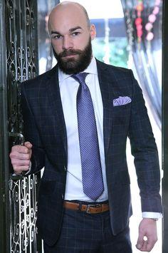 Gay barba e baffi pelosi