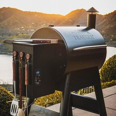 Bbq Grill, Grilling, Black Friday Deals Online, Smoking Images, Thanksgiving This Year, Smoke Grill, Us Online, Best Bbq, Barbecue Recipes
