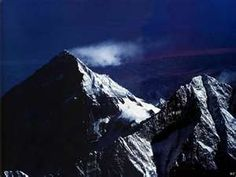 Mount Everest country : Nepal - China place : border between the two countries Mount everest. Beautiful Places In The World, Places Around The World, Around The Worlds, God Of Wonders, Monte Everest, Nature Landscape, Nature Artwork, Amazing Adventures, Time Travel