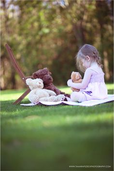 little girl goldielocks and three bears.  Childrens book mini session would be a cute idea.