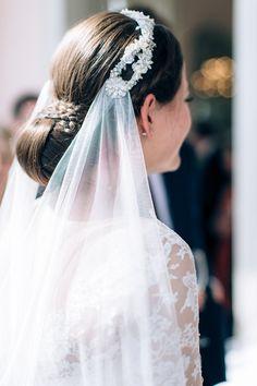 Stunning veil for a romantic bride! now on Wonderwed.de #bride #veil #wedding