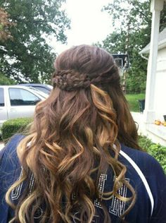 Back of my hair for Homecoming <3