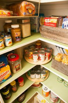 MyBellaBug: Pantry Organization...good idea for a small farmhouse pantry.