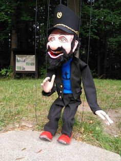 marionette new puppet artist street televariete string