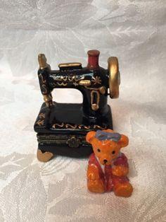 Porcelain-Ceramic-Sewing-Machine-Trinket-Box-Hinged-Hand-Painted-w-Trinkets