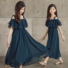 Girls Dresses Sewing, Stylish Dresses For Girls, Dresses Kids Girl, Kids Outfits, Girls Fashion Clothes, Girl Fashion, Kids Party Wear Dresses, Beautiful Pakistani Dresses, Kids Dress Patterns