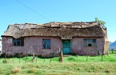 House Landscape, Landscape Art, Landscape Photography, Farm Houses, Old Houses, Country Farmhouse, Country Life, Bird Food, African Countries