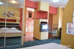 Garsoneira Regim Hotelier Zona Unirii #garsoniera #regim #hotelier #bucuresti Bed, Furniture, Home Decor, Decoration Home, Stream Bed, Room Decor, Home Furnishings, Beds, Home Interior Design