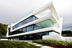 Wave House - динамичный дом из искусственного камня