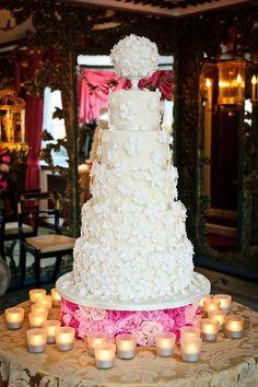 Beautiful white wedding cake!
