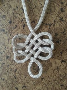 Single rope pendant
