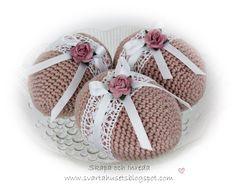 Easter Toys, Easter Egg Dye, Diy Crochet Toys, Easter Crochet Patterns, Crochet Doll Dress, Crochet Decoration, Egg Art, Easter Wreaths, Gifts