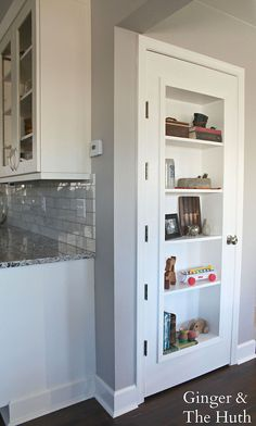Hometalk | DIY Bookshelf Door