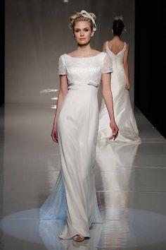 Minimalist-style wedding dresses