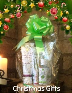 Personal care Christmas gift pack - containing moisturising lotion, aloe scrub, tooth gel, hand sanitiser & aloe lips http://link.flp.social/cXDHB5 #AloeVera #ForeverLiving #DiscoverForever