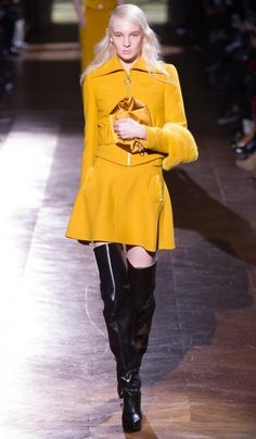 Carvén (Modella: Nastya Sten) | Fall/Winter 2014-2015 Trendy Boots | #runway #outfit #inspiration #fashion