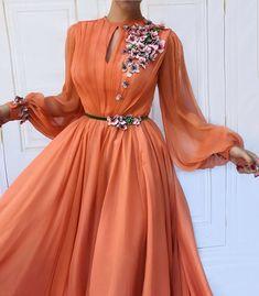 Fashion dresses couture robes 37 new Ideas Elegant Dresses, Pretty Dresses, Beautiful Dresses, Romantic Dresses, Beautiful Dress Designs, Beautiful Women, Ball Gown Dresses, Dress Up, Prom Dresses