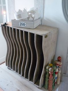 tri_courrier_028 Shoe Rack, Interior Decorating, Tri, Decorations, Furniture, Home, Christmas Fashion, Tips And Tricks, Home Ideas