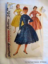 "VTG 50s Simplicity Misses Full Skirt Dress Pattern 1722 Size 12 Bust 32"" UNCUT"