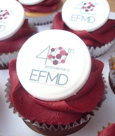 Corporate cupcakes finished with the EFMD Anniversary logo. Anniversary Cupcakes, Cupcake Photography, Cupcake Logo, Edible Printing, Individual Cakes, Custom Cupcakes, Event Planning Business, Gift Cake, Cake Decorating Techniques