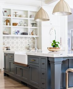 "3,242 Likes, 42 Comments - Kitchens of Instagram (@kitchens_of_insta) on Instagram: ""Love this blue!  @audreycrispinteriors @cscabinetry @lindsay_salazar_photography #kitchensofinsta"""