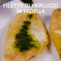 FILETTO DI MERLUZZO IN PADELLA Tuck into this fantastic cod recipe accompanied with the delectable flavours . This combination of amazing tastes delightfully influence the potatoe. Fish Recipes Pan Seared, Cod Fish Recipes, Easy Holiday Recipes, Great Recipes, Healthy Recipes, Italian Fish Recipes, Cena Light, Vegan Dishes, Soul Food